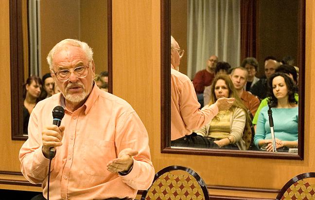 Müller Péter előadása a Humanisztikus Asztrológia Iskolában