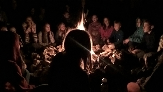 Tűz körül - Tündék völgye